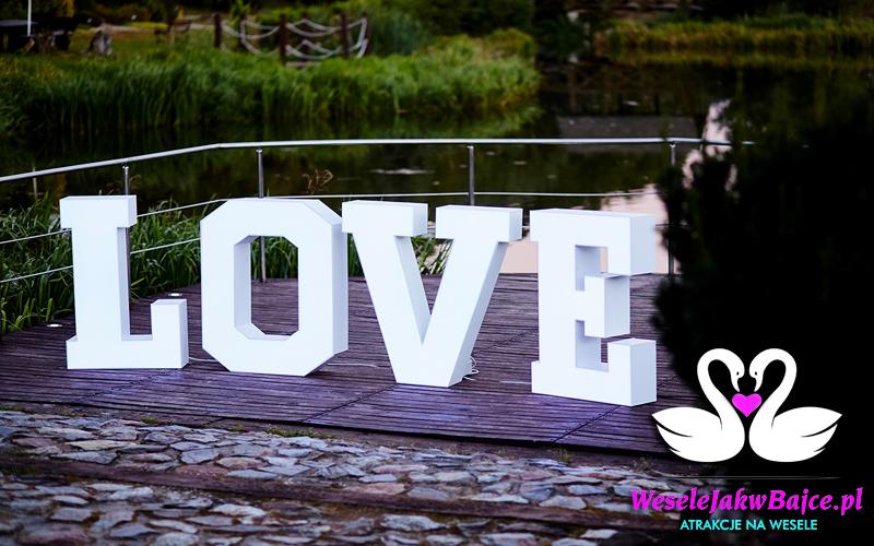 Napis LOVE podświetlany <br><br>